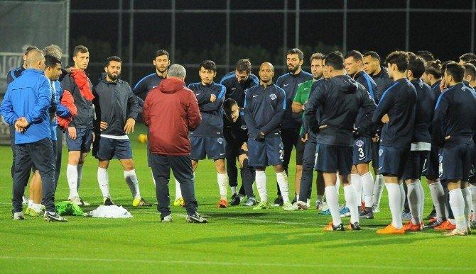 Kasımpaşa, Hazırlıklarını Antalya'da Sürdürüyor