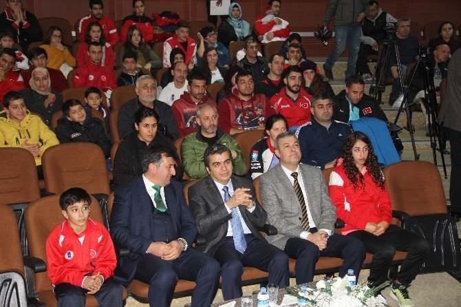 Ulusal Ve Uluslararası Müsabakalarda Dereceye Giren Sporcular Ödüllendirildi