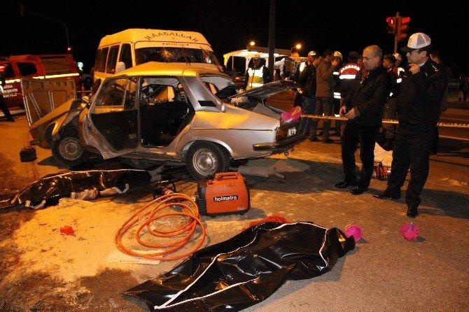 Manisa'da Feci Kaza: 4 Ölü, 4 Yaralı