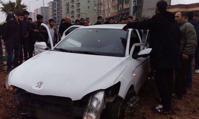 Tır İle Otomobil Çarpıştı: 2 Ölü, 3 Yaralı