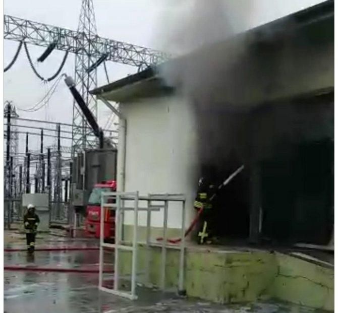 Kızıltepe trafo merkezinde yangın çıktı