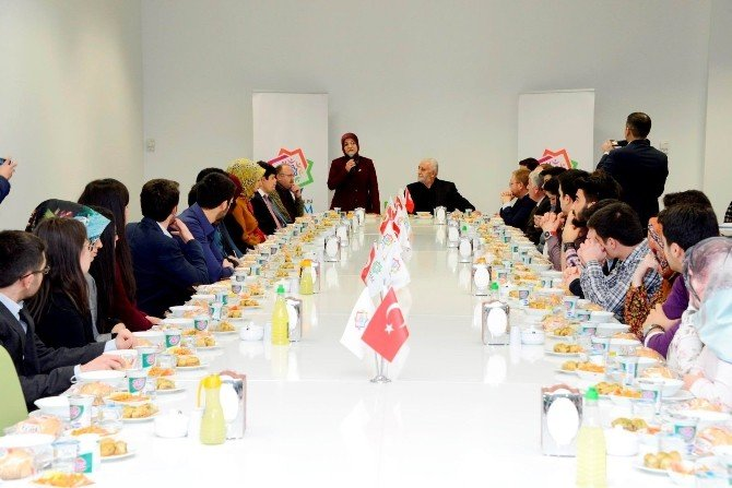 Başkan Toru Öğrenci Liderleriyle Buluştu