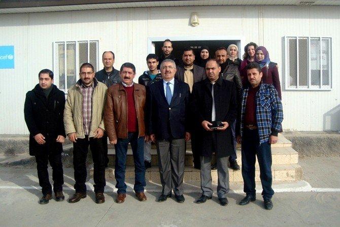Milli Eğitim Müdürü Cengiz Gündeş'ten Mülteci Okuluna Ziyaret