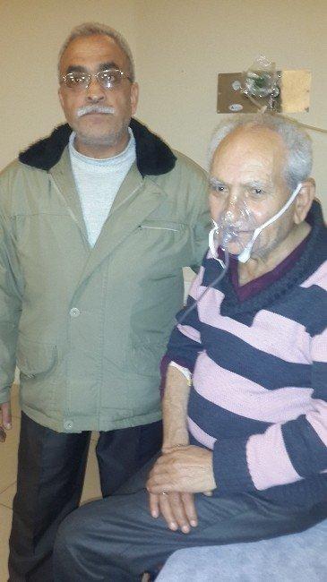 Kahraman Komşu Yaşlı Çifti Ölümden Kurtardı