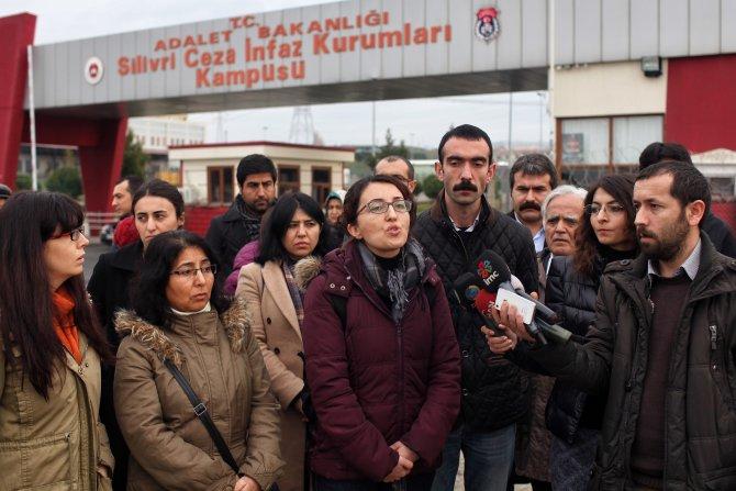 PKK'lı müvekkilleriyle görüşemeyen avukatlar, savcıyı HSYK'ya şikayet edecek