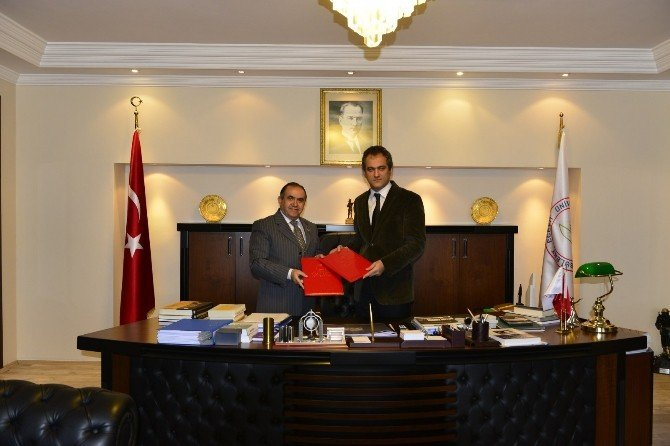 Bülent Ecevit Üniversitesi PTT İle Kargo Sözleşmesini Yeniledi