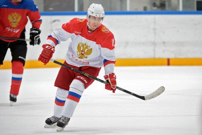 Putin, yılbaşı tatilinde buz hokeyi antrenman maçı yapmış