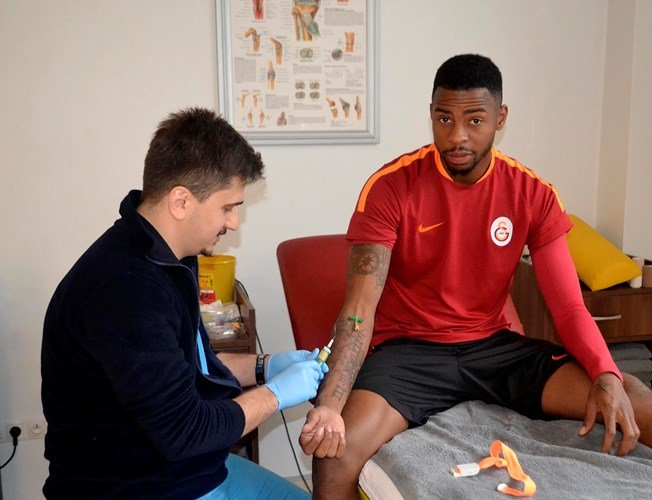 Galatasaray'da futbolculara kan testi yapıldı