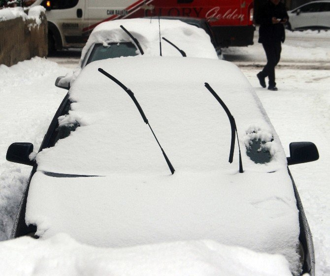 Kışın Aracınız 3-5 Dakika Çalıştırmadan Kullanmayın
