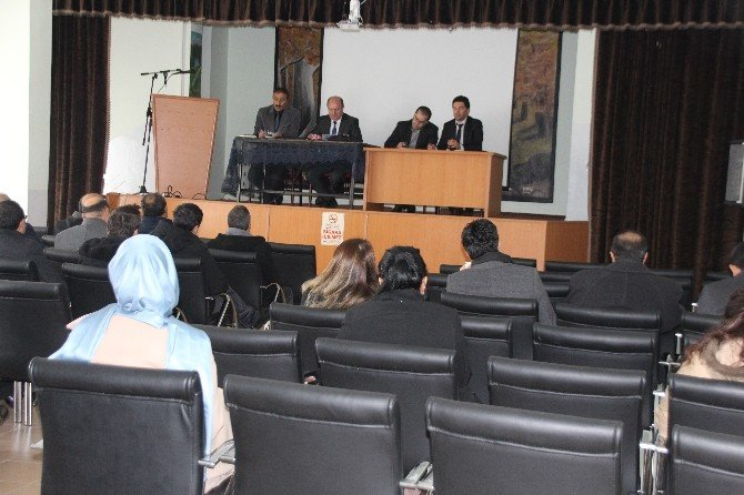 Varto'da Okul Müdürleri Toplantısı