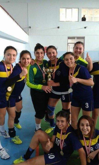 Kız Lisesi Türkiye Finallerinde