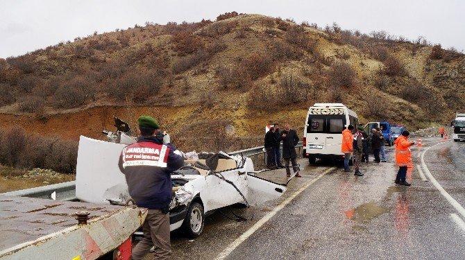 Ankara'da Tır İle Otomobil Çarpıştı: 1 Ölü, 2 Yaralı