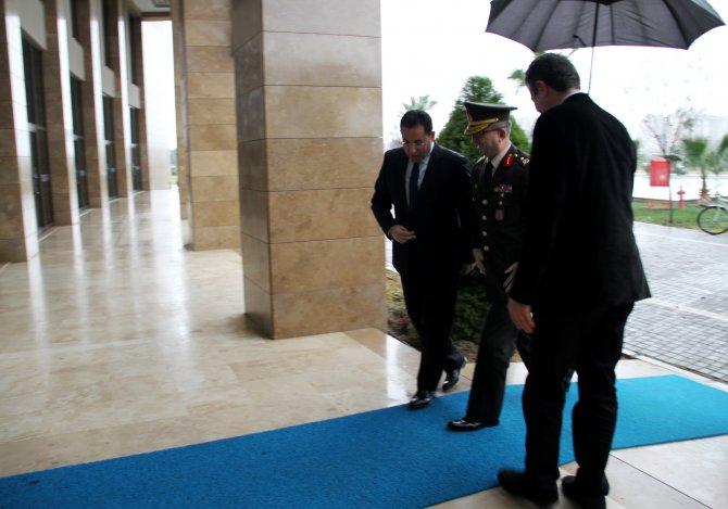 Antalya Garnizon Komutanı'ndan UAÜ'ye övgü