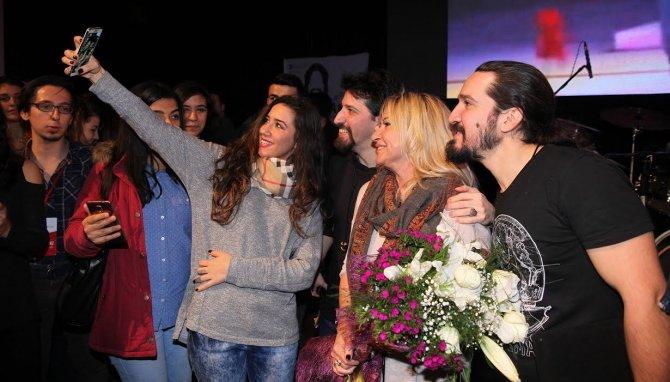 Gediz Üniversitesi Barış Manço'nun doğum gününü kutladı