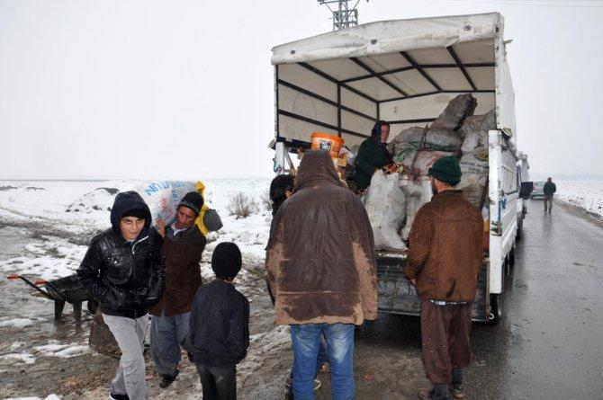 Batman'daki Suriyeli aileler eve taşındı