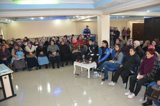 Ardahan'da Bayanlara Yönelik Sohbet Ve Konferans Programı
