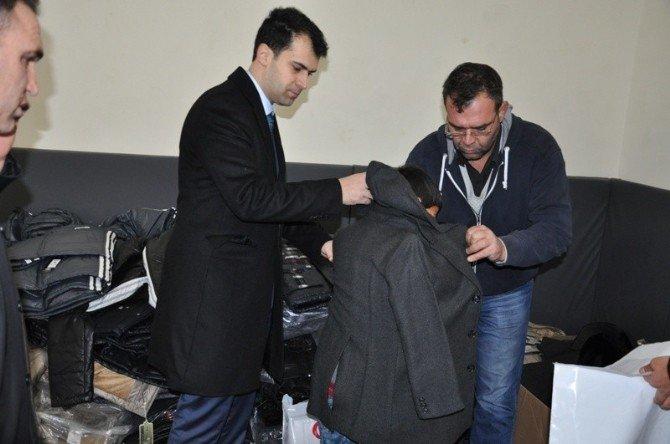 Bozova'da 400 Öğrenci Giydirildi
