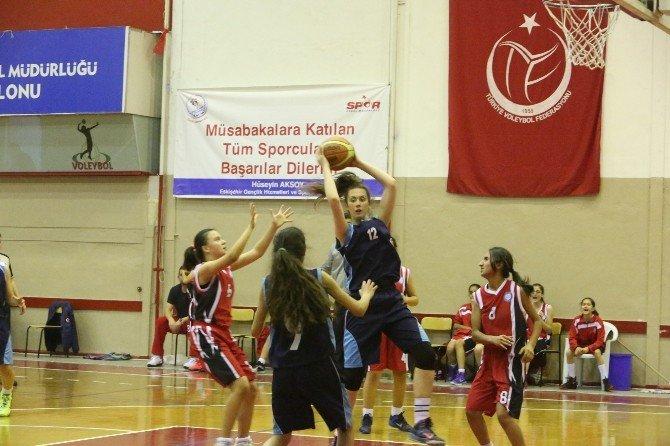 Büyükşehir Gençlik Spor Kulübü Yıldız Kızlar Basketbolda 2'nci Oldu