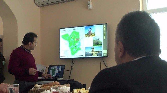 Efteni Doğal Yaşam Parkı Öneri Projesi Valiye Anlatıldı