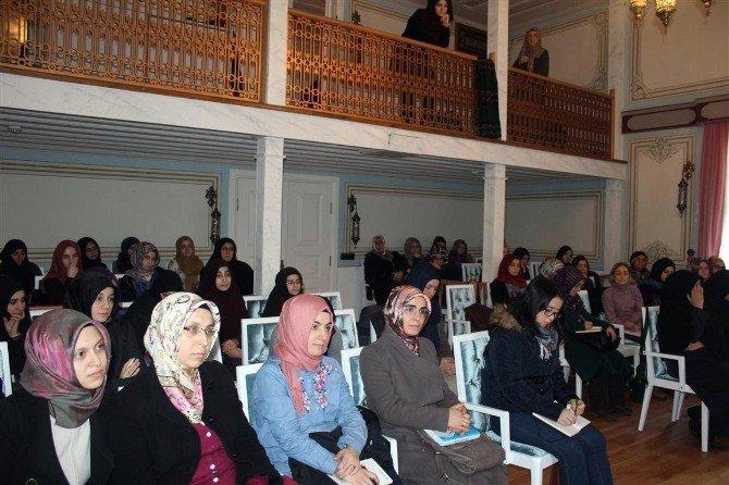 Eyüp Belediyesi'nin Kadınlara Özel Kültür Evine Yoğun İlgi