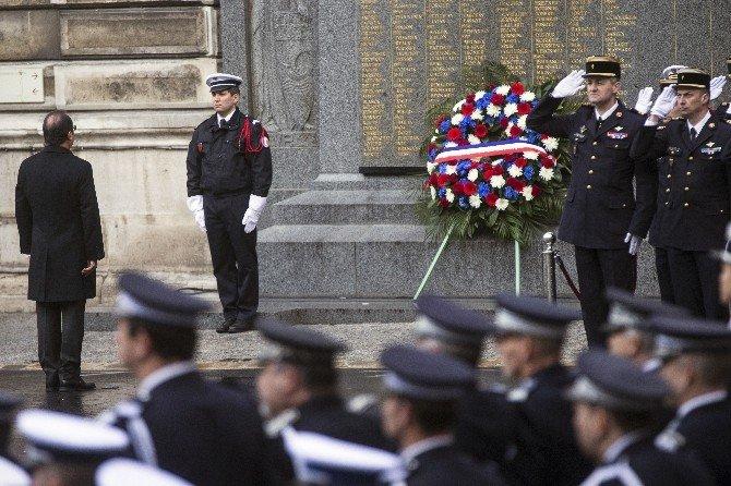 """Hollande: """"Terör Yanlısı 50 Yabancı Yakalandı"""""""