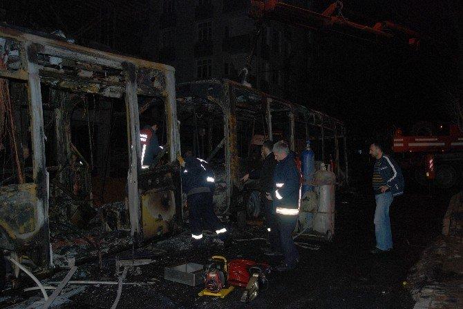 Gazi Mahallesi'nde Otobüse Molotoflu Saldırı