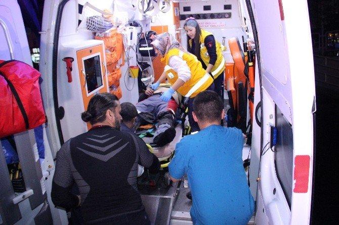 İki Kamyonet Kafa Kafaya Çarpıştı: 1 Ölü, 2 Yaralı