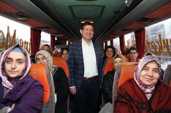 625 Kadın Merkezefendi Belediyesi Tarafından Karahayıt' A Götürüldü