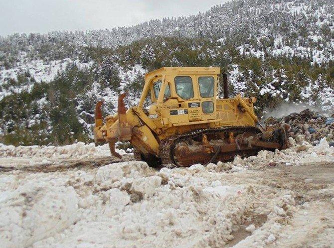 Mersin Büyükşehir Karla Mücadele Ediyor