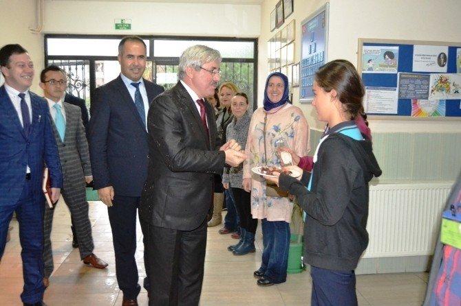 İl Milli Eğitim Müdürü Cengiz'den Ayvalıktaki 'En Başarılı Ve En Teknolojik' Okullara Ziyaret