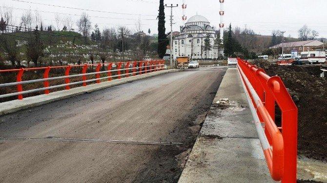 Büyüklü Köprüsü Yenilendi