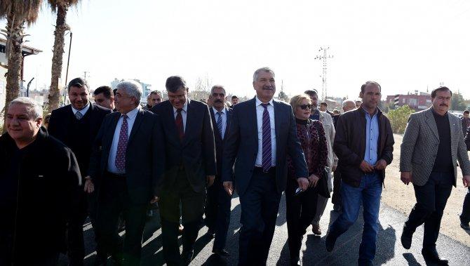 Seyhan Belediyesi'nden Yeşiloba'ya hizmet seferberliği