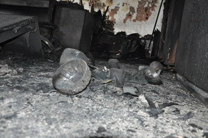 Şırnak'ta YDG-H'li Teröristler Okul Yaktı