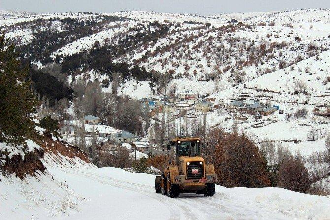 Sivas'ta 60 Kapalı Köy Yolu Ulaşıma Açıldı