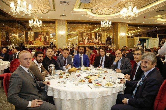 Dostlar Divanı Sultangazi'de Toplandı