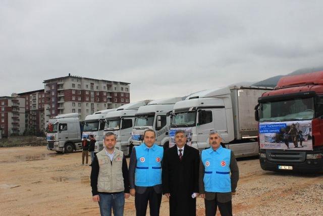 Türkmenlere yardım TIR'ları Yayladağı'na ulaştı
