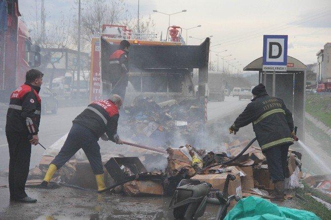 Atılan Sigara İzmariti Seyir Halindeki Kamyonette Yangın Çıkardı