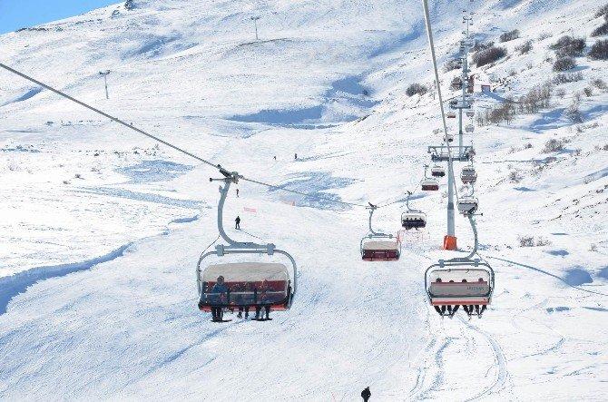 Yıldız Dağı'nda Yeni Sezon Kayak Heyecanı