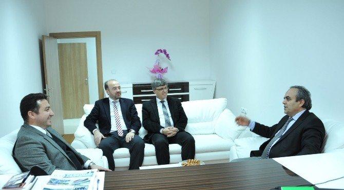 Rektör Özcan Başkan Bakıcı'yı Ziyaret Etti