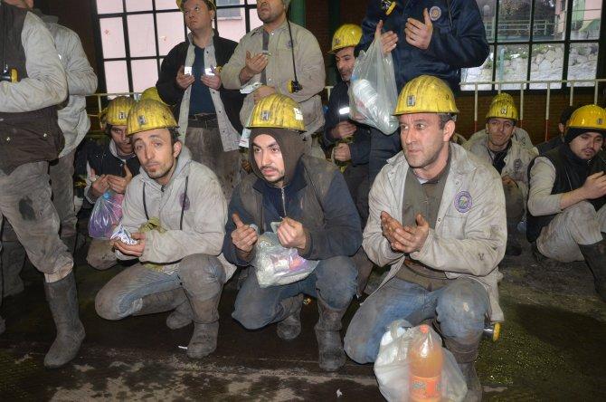 Maden kazasında ölen 8 madenci dualarla anıldı