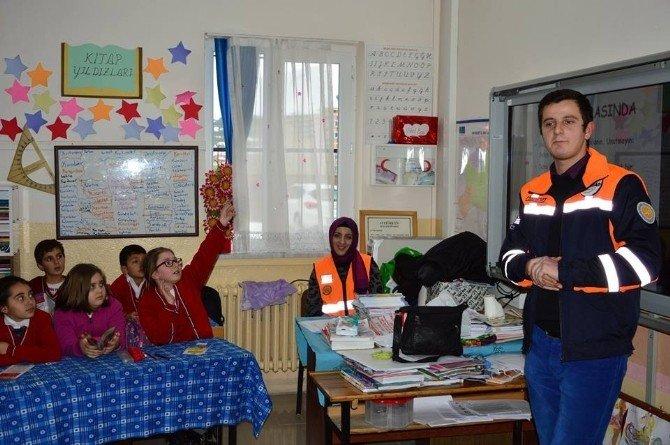 AFAD Ekipleri İlköğretim Öğrencilerine Eğitim Verdi