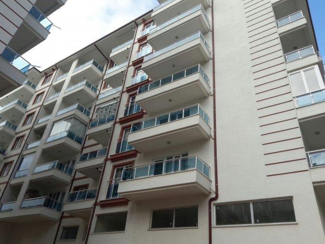Müteahhit borcu ödemeyince 114 daire elektriksiz kaldı iddiası