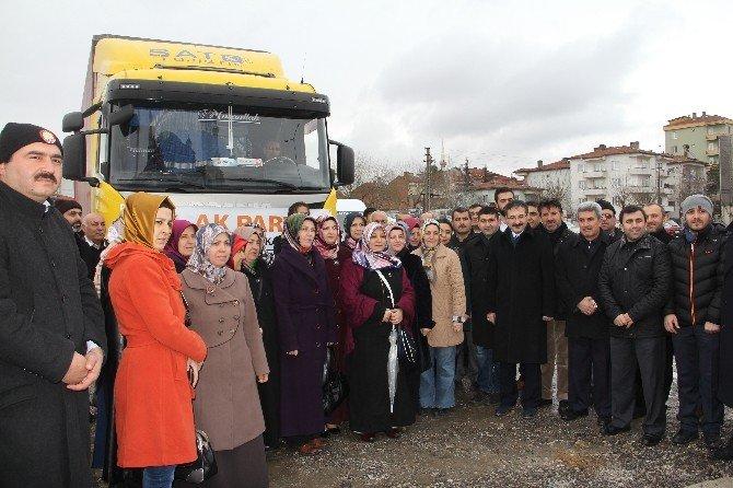 AK Parti'nin Yardım Tırı Yola Çıktı