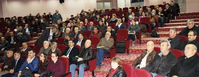 Alaşehir'de Üzümcülere 'Budama Ve Gübreleme' Konferansı