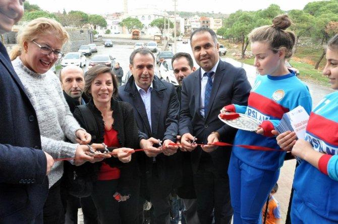 Başkan Gencer, 'Sokaktan Sahaya' projesinin açılışına destek verdi
