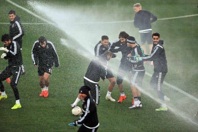 Beşiktaş'ta Motta Ve Ersan Gülüm Takımla Çalıştı