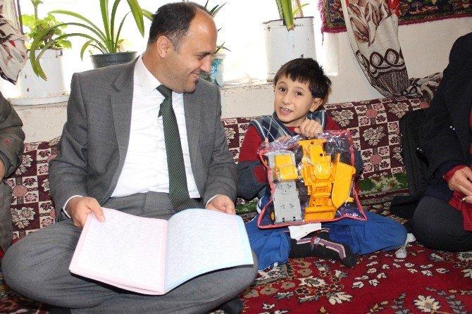 Erdoğan Hayranı Çocuğa Başkan Özaltun Sahip Çıktı