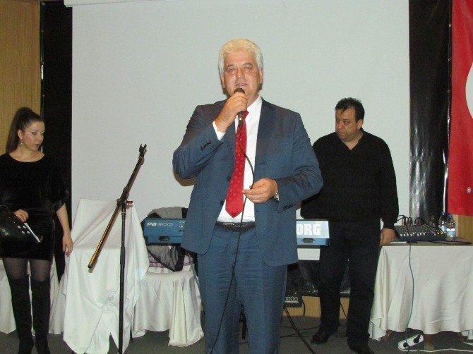 Çeşme Belediye Başkanı Dalgıç, Eski Boksörleri Yemekte Buluşturdu