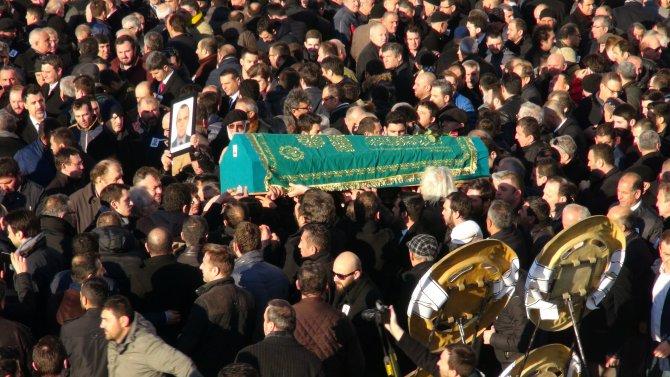 Öldürülen iş adamı Özsoy, toprağa verildi