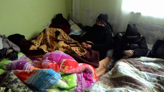 Edirne'de rehin tutulan 62 kaçak göçmen kurtarıldı